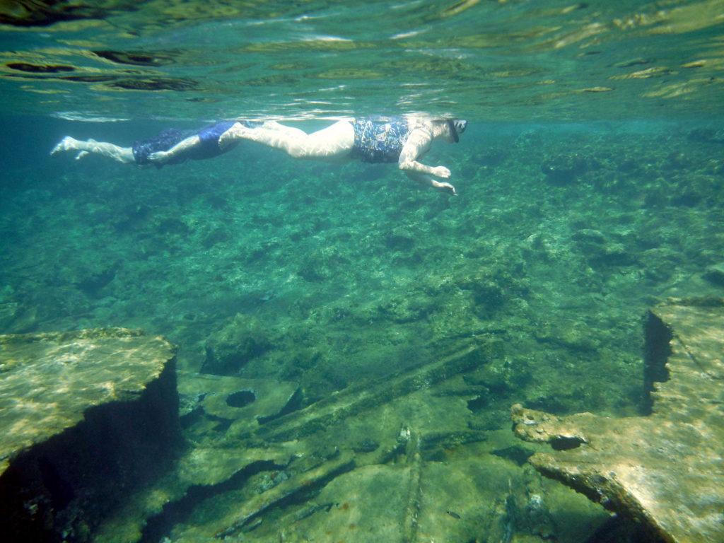 SnorkelShipwreck2009201911